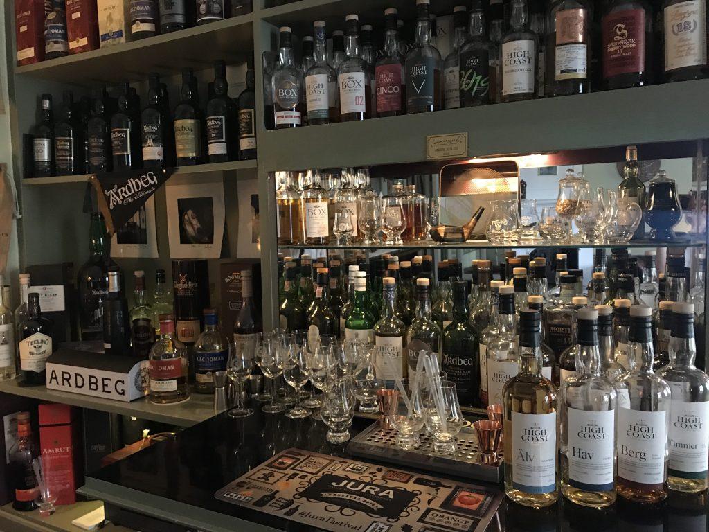 Länsmansgårdens whiskybar med 180 sorter