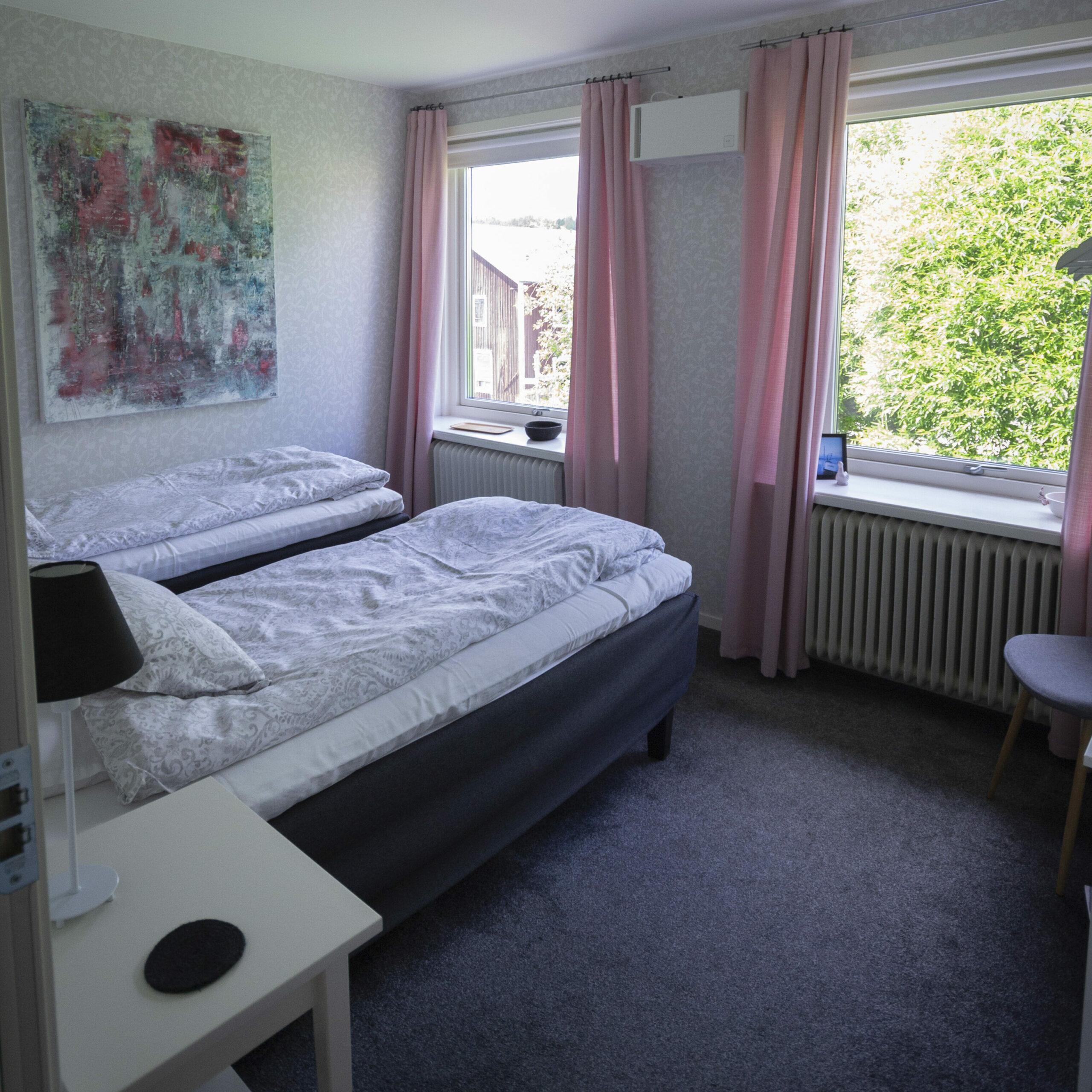 room3-yellow villa